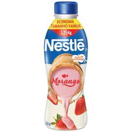 Iogurte líquido Nestlé morango 1,25kg